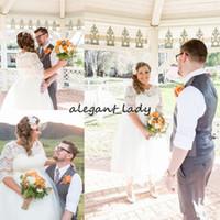 kısa vintage düğün elbisesi düğmesi toptan satış-Son Yarım Kollu A-line Artı Boyutu Gelinlik Tül Saten Düğme yukarı Geri Çay boyu Batı Kısa Gelin Elbise Gelinlikler