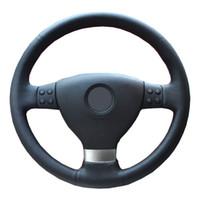 cubierta del volante volkswagen jetta al por mayor-Trenza del volante para Volkswagen Golf 5 Mk5 VW Passat B6 Jetta 5 Mk5 Tiguan 2007-2011 / Cubierta de dirección a medida