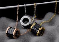 boxen frühlingsball großhandel-Linlin Fabrik Preis Diamant Keramik Halskette Mode Metall Brief Frühling Halskette mit Box