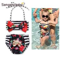 12 monate badeanzug mädchen großhandel-New Girl Zweiteiler Flower Striped sling Große Fliege 2-6T Kinder Badeanzug S17003