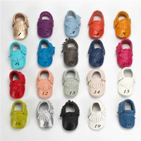 Wholesale leather baby tassel moccasins resale online - 20 Color Baby moccasins soft sole genuine leather first walker shoes baby newborn smooth texture shoes Tassels maccasions shoes