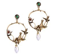 ingrosso orecchini di goccia di cristallo neri-Orecchini a bottone con perni a forma di uccello Orecchini a pendente con perle a forma di uccello Accessori moda vintage gioielli di lusso per le donne grandi orecchini di moda