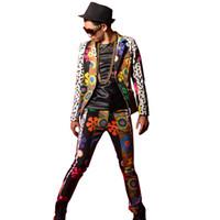 Colorida impresión de la flor empalme hombres Slim Fit chaqueta de traje  casual Blazers capa masculina bailarina cantante DJ moda trajes de etapa ... 8ac094bdcf9