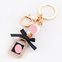 Wholesale purse buckles - Shiny Rhinestone Shiny Perfume Bottle Shape Key Ring Luxury Design Bling Keychain For Car Bag Purse Fun Keys Buckle 8 8ch Z