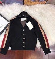 ingrosso disegno del tasto a maglia-Un nuovo modello 2018 di alta qualità autunno popolare bambini maglioni cardigan bambini maglia pulsante cappotto manica lunga scollo a V