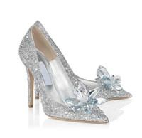 zapatos de diamantes sexy al por mayor-Venta caliente nueva estrella 2019 con la punta puntiaguda diamantes tacones altos zapatos de cristal delgados con zapatos sexy zapatos de boda de dama de honor bombas de mujer