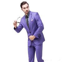 neue blazers winter großhandel-Neue Mode Lila Bräutigam Smoking Günstige Groomsmen Anzug Kerbe Revers Best Man Blazer Herren Hochzeit Anzüge (Jacke + Pants + Tie)