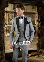 best grey suits 2021 - High Quality Groom Tuxedos One Button Light Grey Peak Lapel Groomsmen Best Man Suit Wedding Mens Suits (Jacket+Pants+Vest+Tie) J199