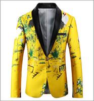 trajes de fiesta de color amarillo para los hombres al por mayor-Blazer amarillo hombres 2018 Slim Fit Blazer chaqueta bordado floral Cuello chal traje casual para hombre Prom Blazers