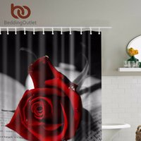 sets de douche noir achat en gros de-LiterieOutlet Roses Rouges avec Feuilles Noires Rideau De Douche Romantique Salle De Bains Rideaux Tissu Salle De Bains Ensemble avec Crochets 71