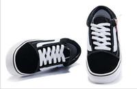 ingrosso scarpe di tela nere per le donne-Scarpe casual in tela 2018 Scarpe da skateboard classiche bianche e nere da donna di marca e scarpe da ginnastica da uomo EUR 35-44