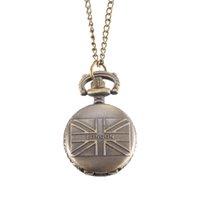 montres couleur cool achat en gros de-Montre de poche Vintage Bronze Couleur Quartz Montre Cool Chain Drapeau britannique Montres LL @ 17