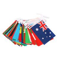 comprar pancartas al por mayor-Banderas coloreadas de cien países que cuelgan pancarta para supermercado Bar Tienda Decoración Contexto Decoración con cuerda