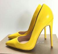 zapatos de tacón de cuero amarillo al por mayor-Las mujeres amarillas de piel de oveja Desnuda charol Poined Toe Women Bombas, 120 mm 100 mm Moda lRed Bottom High Heels Zapatos para mujeres Zapatos de boda