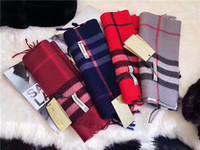 Wholesale Plaid Cashmere Wrap - Autumn and winter women's scarves are high-end and beautiful. You like the classic style of plaid scarf.