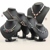 collar de maniquíes al por mayor-Forma Negro volor Maniquí de la PU de cuero de la joyería soporte de exhibición para Busto Contador del escaparate del collar / colgante Muestra Titular