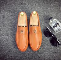 zapatos de vestir grises para hombre al por mayor-2018 Promoción Nueva moda Hombre hebilla marrón Gris cúspide negro Mocasines negros Zapatos de vestir casuales Tamaño de EE. UU .: 6.5-9 343