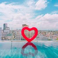 ingrosso decorazioni a piscina galleggiante per feste-Love Heart Swimming Ring Creativo Oversize Bellissimi Tubi Gonfiabili per la decorazione del partito Fashion Design dolce Pool Floating Mat 14 8xr Z