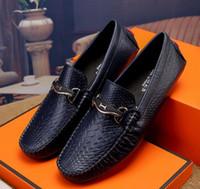 italyan elbise ayakkabı markaları toptan satış-Erkek deri ayakkabı lüks el yapımı loafer'lar İtalyan marka tasarımcı erkek elbise ayakkabı G6.56 üzerinde kayma