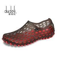 пластиковые тапочки мужчины оптовых-DUDELI New 2017  Casual Men Sandals Fashion Plastic Sandals Summer Beach Shoes Water Shoes Slippers Fast Shipping