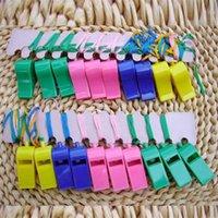 apito de brinquedos de plástico venda por atacado-Plástico colorido Esporte Apito Cor Sólida Com Cordão Crianças Apitos Para Crianças Crianças Brinquedo Direto Da Fábrica Venda 0 19bo BB