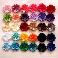 flores de tela cristales al por mayor-Envío gratis flores de tela con centro de diamantes de imitación de cristal accesorios de espalda plana para la banda de pelo de la ropa arco Clip E829