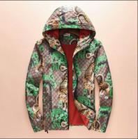 мужская куртка осенней весны оптовых-2018 новый стиль весна / осень мужская Denali Apex Bionic куртки открытый повседневная SoftShell теплый водонепроницаемый ветрозащитный дышащий лыж пальто женщин