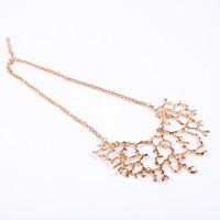 ювелирные изделия из коралла оптовых-Fashion NEW Women Coral Pendant Necklace Tree Branch Shape Silver Gold Crystal Jewelry Necklaces