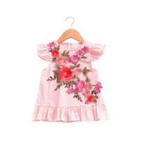 kleines mädchenkleid entwirft sommer großhandel-2018 Sommer Baby Kleid Nette Stickerei Blume Design Kleine Mädchen Kleider Kleinkind Mädchen Kleidung Rosa Kinder Kleid Tops Kleidung für 1-4Years