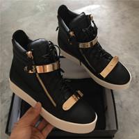 Plus Size 36-46 Moda scarpe da uomo di lusso di marca casual in vera pelle  nera con fibbia in oro donne sneaker moda piatta di alta qualità con la  scatola 807fc1b29f2