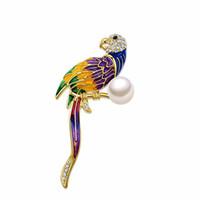 erstaunliche brosche großhandel-Erstaunliche Farbe Emaille Papagei Brosche Phantasie Imitation Perle Funkelnde Klar Strass Bekleidung Zubehör Hübsche Frauen Schal Pins