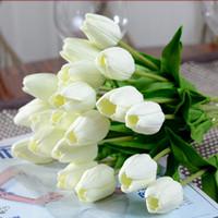 tulipas brancas artificiais venda por atacado-Novo Design Encantador Bonito 20 Pcs Flor Artificial Real Toque PU Tulipas Brancas Simulação Única Haste Buquê de Mesa Decoração de Casamento Festa