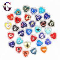 cam dangıllar toptan satış-Mix 32 Futbol Spor Dangle Charms Cam Kristal Kalp Charms DIY Bilezik Kolye Kolye Takı Asılı Yüzer Charms