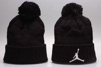 beanie dhl toptan satış-Ucuz sıcak kış Beanie Örme Şapkalar Tüm 32 Takımlar beyzbol futbol basketbol kasketleri spor takımı Kadın Erkek popüler moda kış şapka DHL