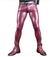 pantalones de cuero sintético de la pu para los hombres al por mayor-Sexy Hombres Cuero de Imitación Pu Mate Lápiz Brillante Pantalones Hombres Rol Suave Flaco Pantalones Gay Grueso Cálido Tight Gay Wear Plus Size 100