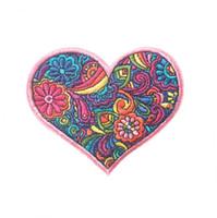 ütü bezleri toptan satış-Nakış yama Loving kalp şekli Demir yama bez Geri sakız Aplikler etek kot ceket racksack dikiş dekoratif aksesuarlar DL_CPIS003
