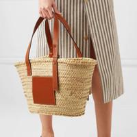 sacos de praia grande tecido venda por atacado-2018 Saco De Praia Grande Saco De Bolsas De Palha Tecido Artesanal Mulheres Bolsas De Viagem Designer De Luxo Crochet Flor Sacos De Mão Novo Verão