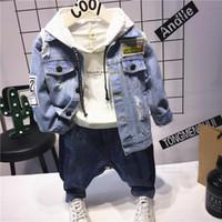 erkek mavi ripped jeans toptan satış-3 adet WLG boys moda bahar sonbahar giyim seti çocuklar ripped denim mavi ceket beyaz kapşonlu t gömlek ve jean seti bebek giysileri