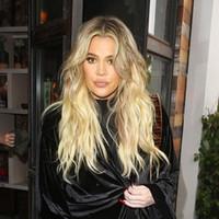 perucas de cabelo loiro chinês venda por atacado-WoWEbony Khloe Kardashian Ombre Cor Loira Parte Profunda Chinesa Virgem Cabelo Lace Front Perucas [IR4.5DPOM1]