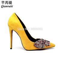 ingrosso scarpe gialle bride-vendita all'ingrosso designer di lusso donne tacchi alti bling farfalla strass scarpe da sposa sposa punta a punta pompe di cristallo giallo nero