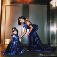 terciopelo lleva chicas al por mayor-Royal Blue Ball Gown Niñas Vestidos del desfile 2018 Halter Sweep Train Velvet Niño Vestidos de fiesta de cumpleaños Cosplay Wear