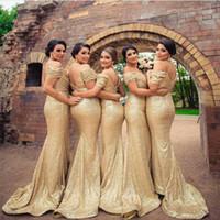 plajda düğün için genç süslü elbiseler toptan satış-Şampanya Altın Sequins Gelinlik Modelleri Ülke Tarzı Kapalı Omuz Plaj Genç Düğün Konuk Kıyafeti Hizmetçi Onur Elbise Ucuz