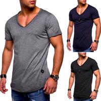chemises musculaires de couleur unie achat en gros de-Nouveau Mode Hommes D'été T-shirt V-cou Décontracté Haut Haute Rue Couleur Uni Élégant Coton Top Muscle Man T-shirt