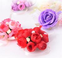 bouquets à vendre achat en gros de-Mariage Célébration Mariée Poignet Fleur Simulation Perle Main Bande Fleurs Arrangement Créatif Mains Décoratives Bouquets Vente Chaude 2yz Y