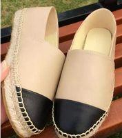zapatos de tela de dama al por mayor-Nuevas mujeres Zapatos de lona ocasionales Alpargatas de primavera Mujer de alta calidad Zapatos de tela Zapatos para caminar de moda Dos tonos zapatillas de lona Lady