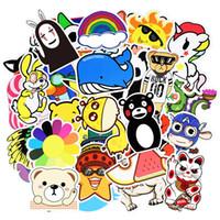 wandwagen spielzeug großhandel-Zufällige Cartoon Aufkleber Poster Wand 3D Aufkleber für Gitarre Laptop Skateboard Gepäck Motor Auto DIY Wasserdicht Lustige Spielzeug Aufkleber 50/100 teile / satz