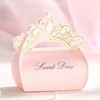 ingrosso la festa nuziale favorisce le scatole di sacchetti-Nuova principessa Crown Wedding Party Scatole di caramelle Scatole regalo di cioccolato Scatola di caramelle di carta romantico Scatola di caramelle di nozze Bomboniera