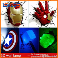apliques de pared para salas de estar al por mayor-Marvel Avengers Lámpara de pared creativa decorada con luces de noche con luces de noche LED en el dormitorio de cabecera LED
