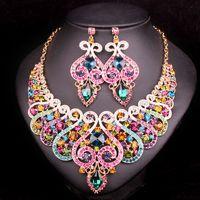decoraciones de la boda india al por mayor-Venta de toda la moda Sistemas de la joyería nupcial india Collar de la boda Pendiente fijado para las novias Accesorios del partido de la dama de honor Decoración cristalina de las mujeres
