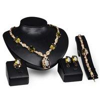 bracelet en diamant topaze achat en gros de-Dubaï 18K or pendentif Topaze collier définit la mode africaine diamant mariage ensembles de bijoux de mariée (collier + bracelet + boucles d'oreilles + bague